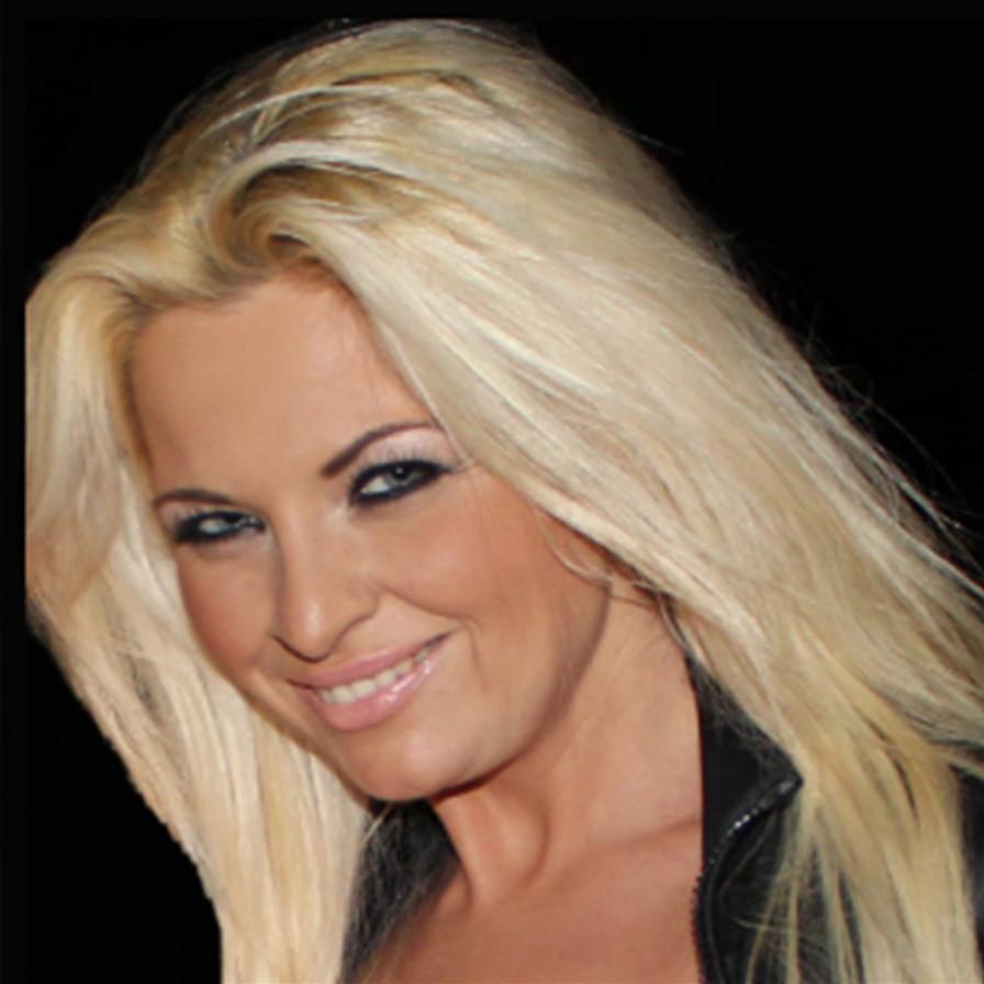 Geile foto van het hete Blosjes model: Bobbi Eden