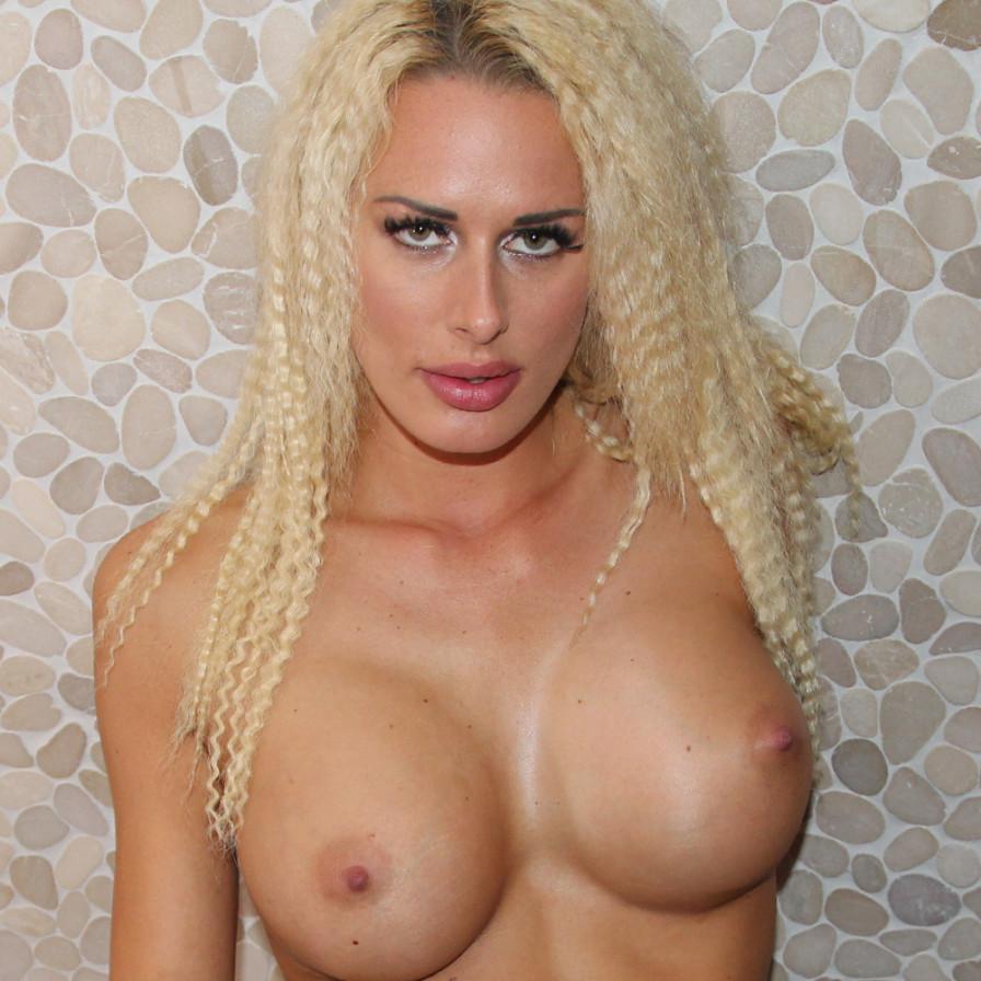 Geile foto van het hete Secret Circle model: Chelsey Lanette