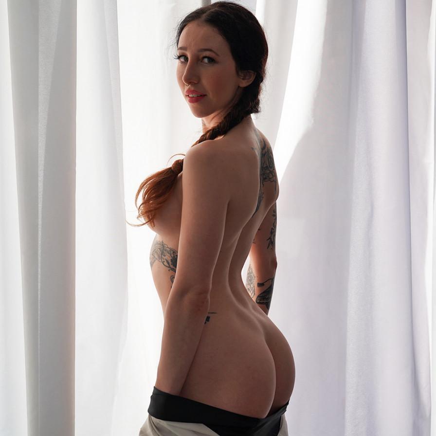 Geile foto van het hete Secret Circle model: Esluna Love