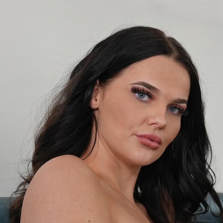 Geile foto van het hete Secret Circle model: Jessy