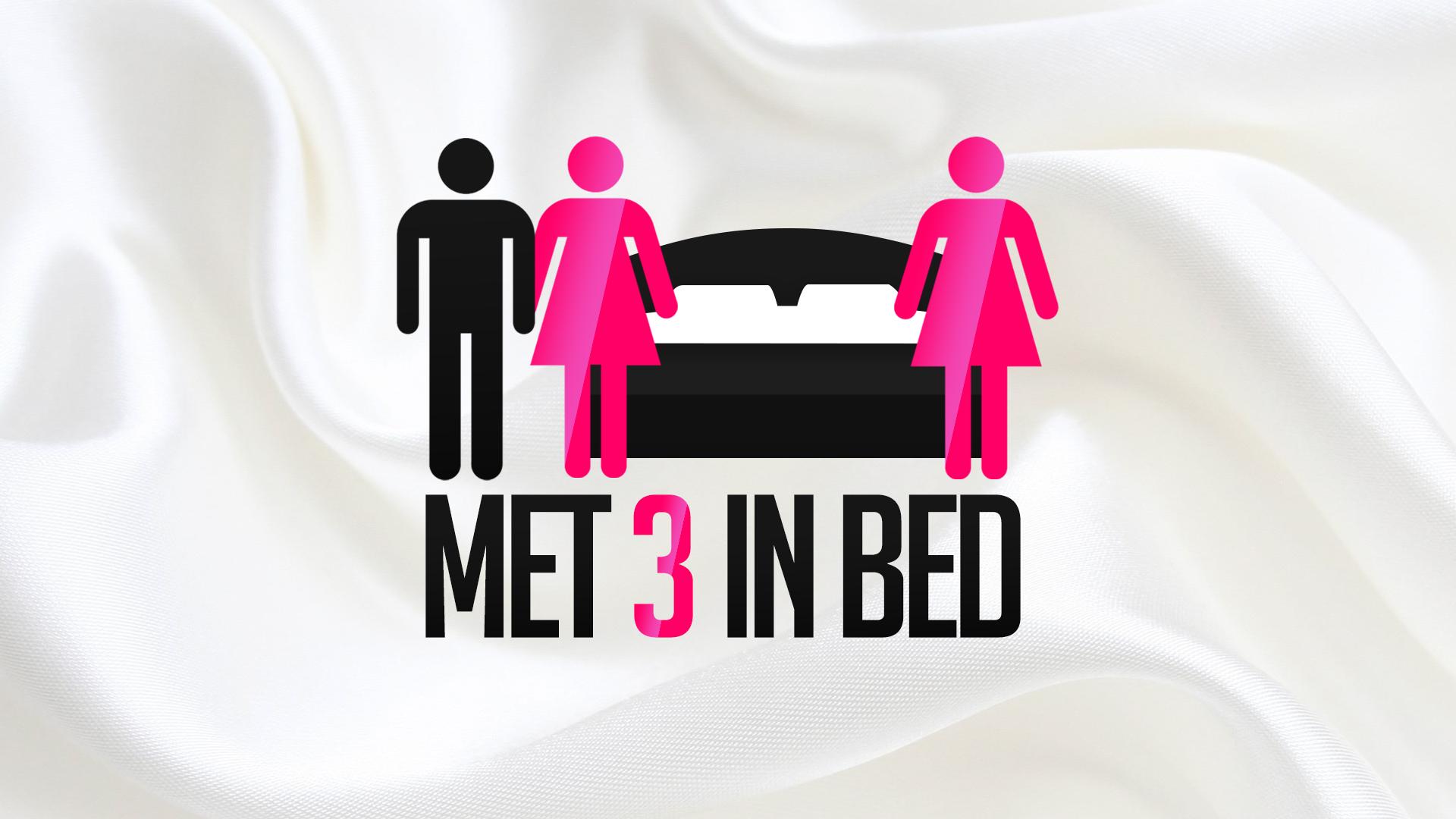 Geile foto van de hete Secret Circle seksfilm: Met 3 in bed