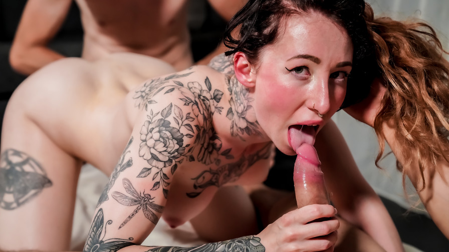 Geile foto van de hete Erotracks seksfilm: Esluna droomt van een trio