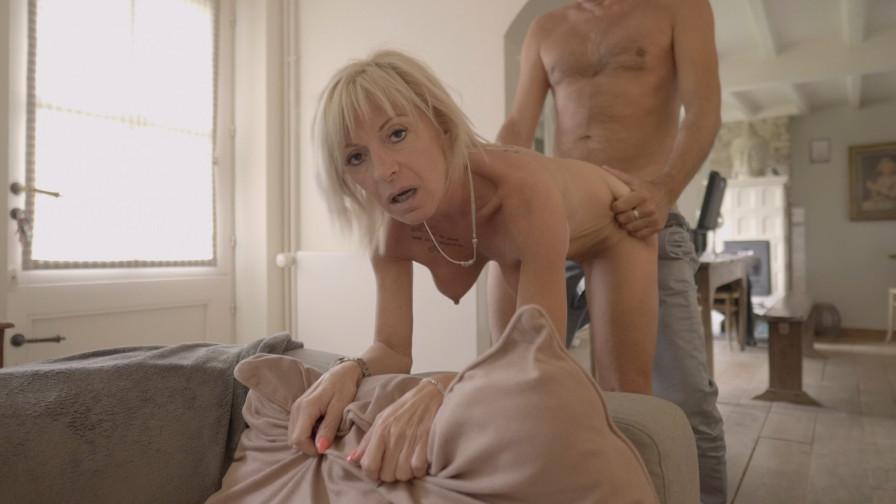 Geile foto van de hete Vurig Vlaanderen seksfilm: Creampie voor milf Samantha