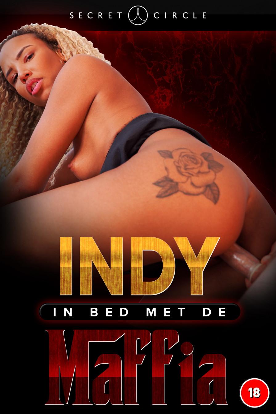 Geile foto van de hete Secret Circle seksfilm: Indy in bed met de maffia