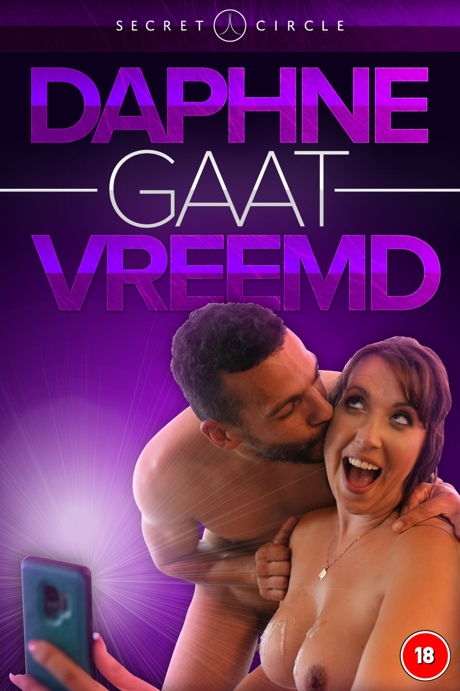 Geile foto van de hete Secret Circle seksfilm: Daphne gaat vreemd