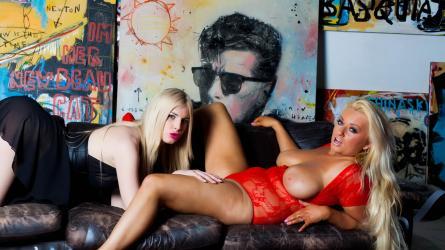 Mila Debuteert met Mandy Slim | Sexfilm