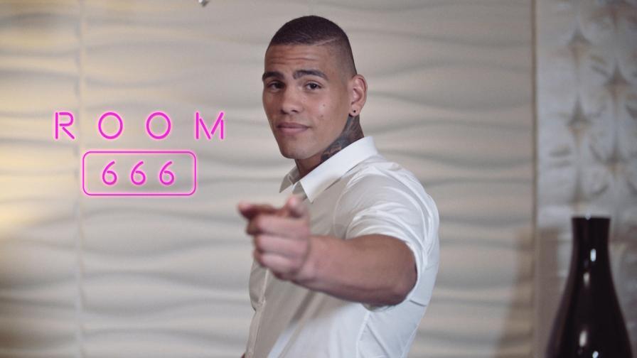 Geile foto van de hete Secret Circle seksfilm: Room 666 - Fitz