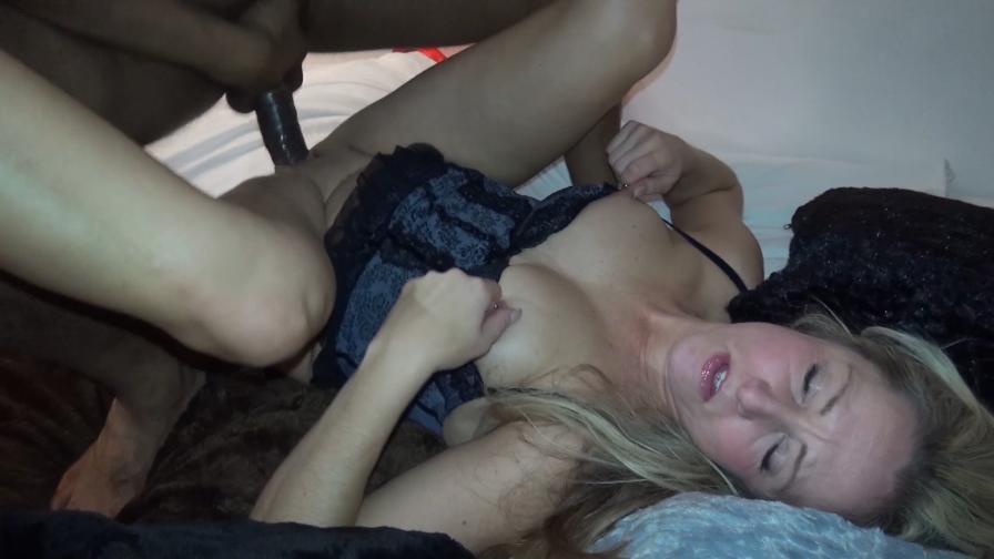 Geile foto van de hete Meiden van Holland sexfilm: Sunny Verhit Darrell