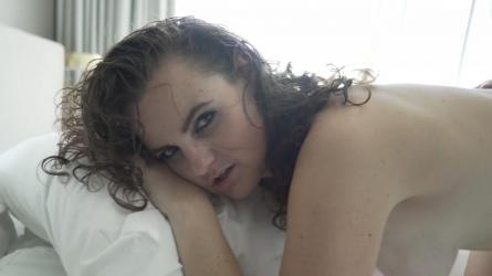 Sterre in haar eerste sexfilm | Sexfilm